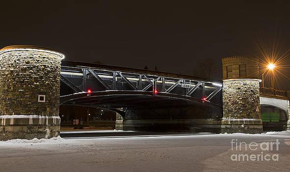 Nina Stavlund - Pretoria Bridge..