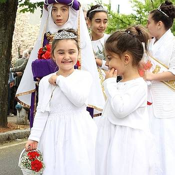 #princess #girls #kids #procession by Essy Dias