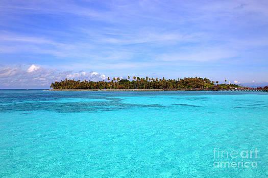 Fototrav Print - Pristine water on Mabul island Sipadan Borneo Malaysia
