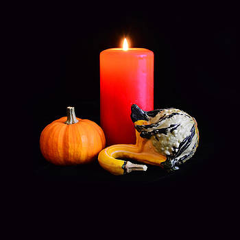 Gynt   - Pumpkin Party with candle