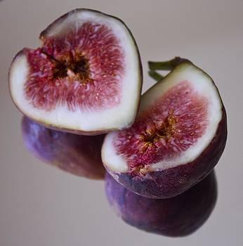 Venetia Featherstone-Witty - Purple Figs