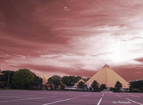 Pyramid by Maideline  Sanchez