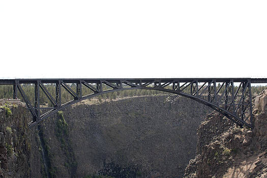 S and S Photo - Railroad Bridge-Crooked River Gorge - 0001