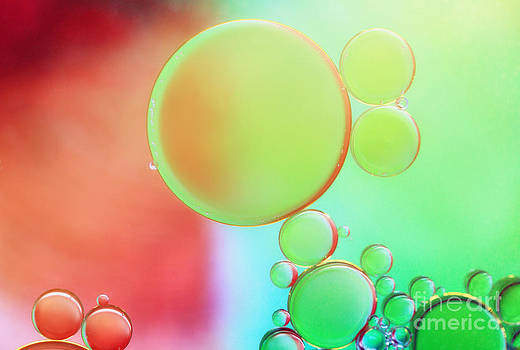 LHJB Photography - Rainbow bubbles