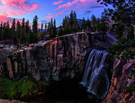 Rainbow Falls Devil's Postpile National Monument by Scott McGuire