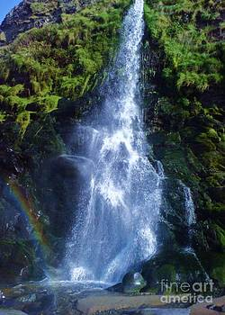 Rainbow Falls by John Williams