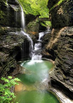 Lori Deiter - Rainbow Falls