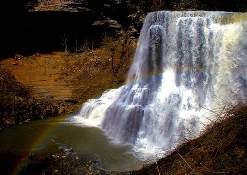 Matthew Winn - Rainbow Over Burgess Falls