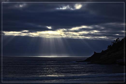 Rays of hope at Cape Kiwanda Oregon by Tiana McVay