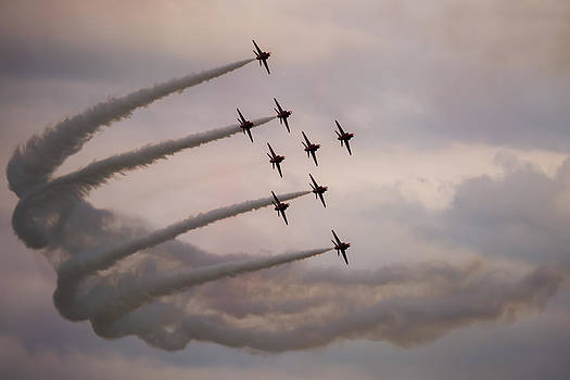 Red Arrows - Preparing for Flanker Formation by Scott Lyons