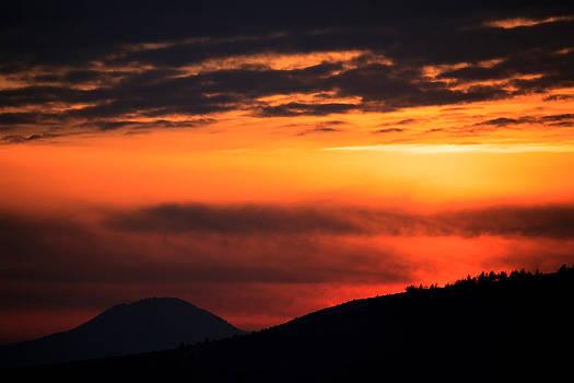 Red mountain  by Svetoslav Sokolov