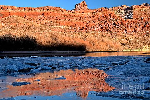 Adam Jewell - Red Rocks In Cracked Ice