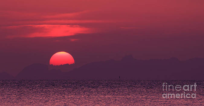 Red Sunset by Jantima  Cha