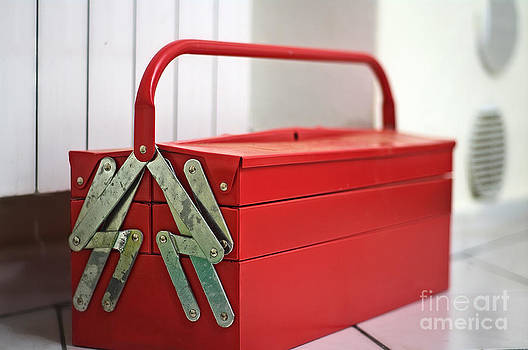 Red - toolbox by Giuseppe Ridino
