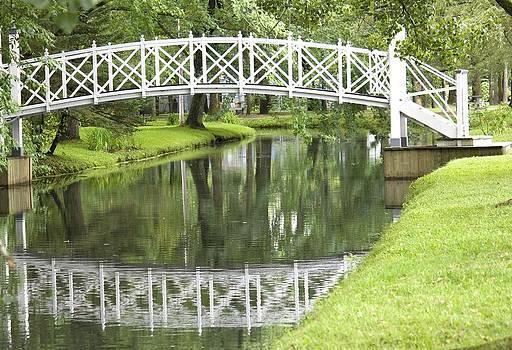 Veronica Vandenburg - Reflecting Bridge