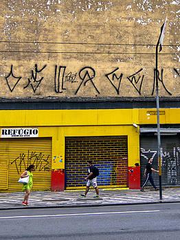 Julie Niemela - Refugio - Sao Paulo