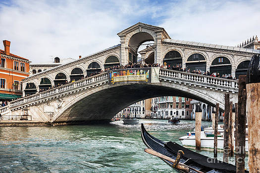 Rialto Bridge by Radu Razvan
