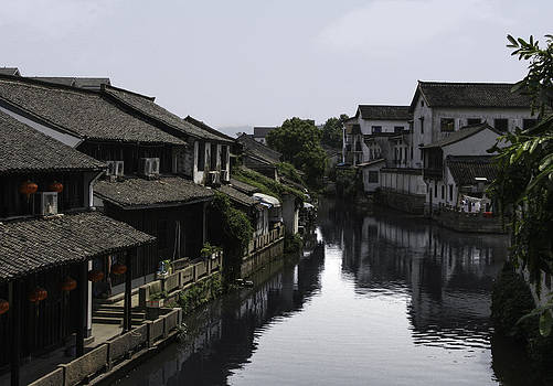 Qing  - River Living