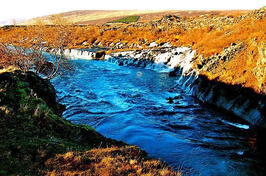 HweeYen Ong - River of Falls
