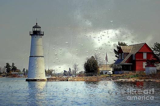 Linda Rae Cuthbertson - Rock Island Lighthouse on a Rainy Day