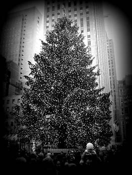 Kimberly Perry - Rockefeller Christmas Tree