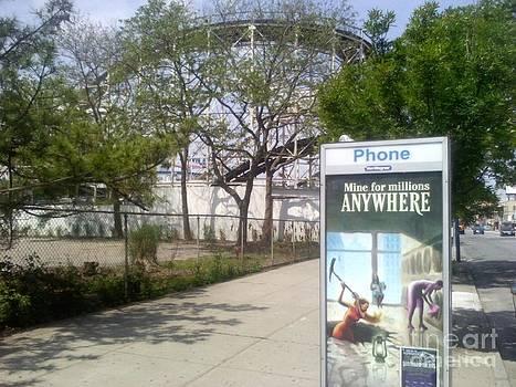 roller-coaster Coney Island  NY by Vale Tek