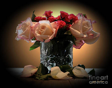 Roses Bouquet For The Ladies by Heinz G Mielke