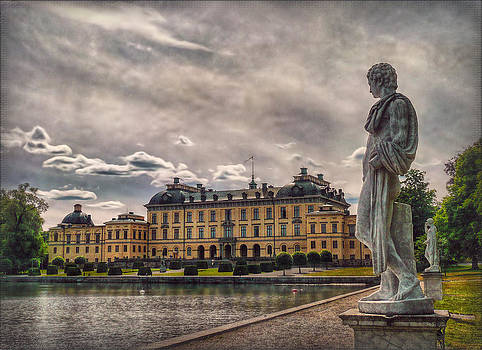 Royal Palace by Hanny Heim