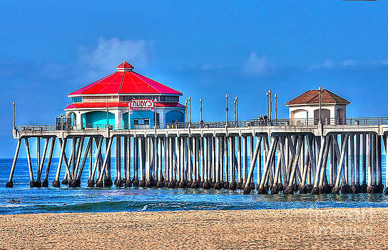 Ruby's Surf City Diner - Huntington Beach Pier by Jim Carrell
