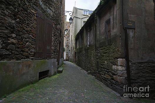 Rue Sainte by Tina Osterhoudt