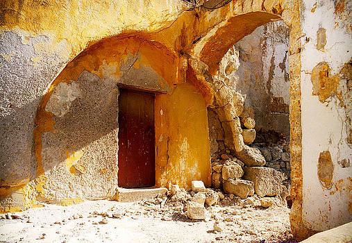 Ruins by Magdalena Mirowicz