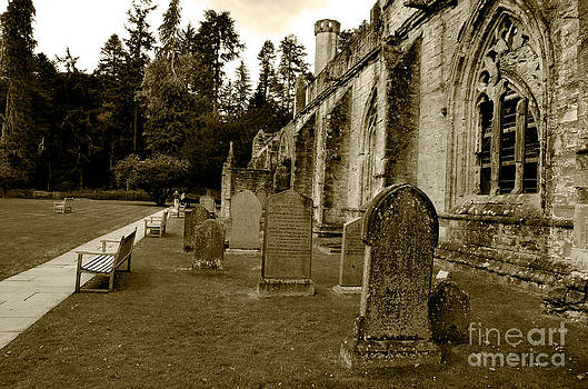 Pravine Chester - Ruins of Dunkeld Cathedral
