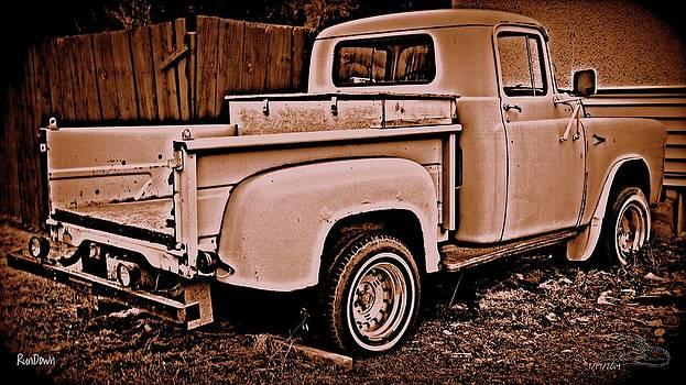 Guy Hoffman - RunDown Vintage Pickup Truck