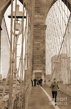 RicardMN Photography - Running on Brooklyn Bridge