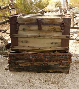 Rust Box by Gabe Arroyo