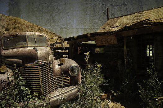 Rustin' Away by Darren  Cornea