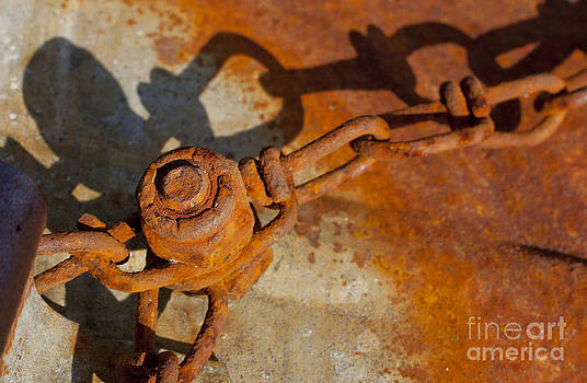 Jonathan Welch - Rusty Chain