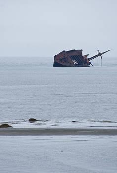 Arkady Kunysz - Rusty shipwreck