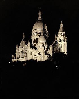 Sacre Couer - Paris by Gary Auerbach