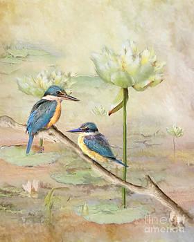 Sacred Kingfisher by Trudi Simmonds