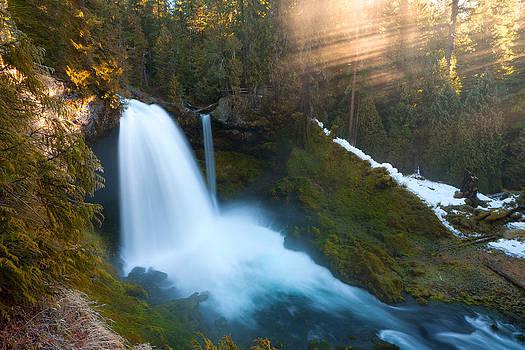 Sahalie Falls by Andrew Kumler