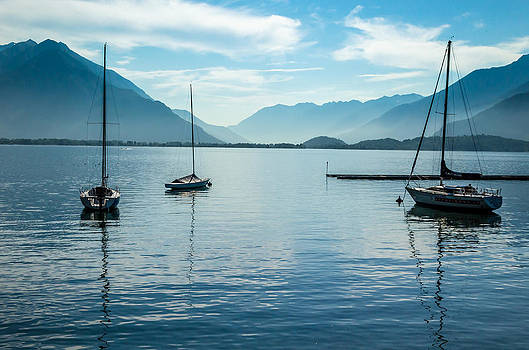 Sailboats on Como by Jeffrey Teeselink