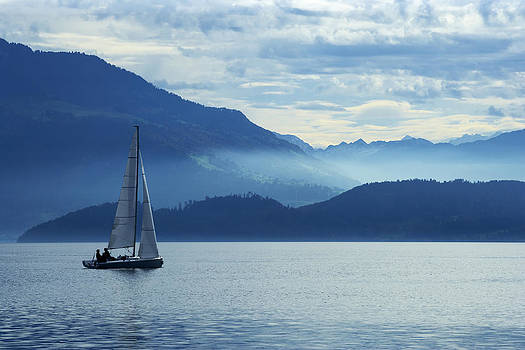Sailing on lake Zug by Ron Sumners