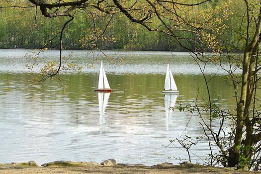Nicki Bennett - Sailing on the Lake