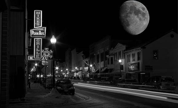 Salem Ohio Winter Moon by David Dufresne