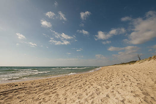 Sandy beach wide by View Factor Images