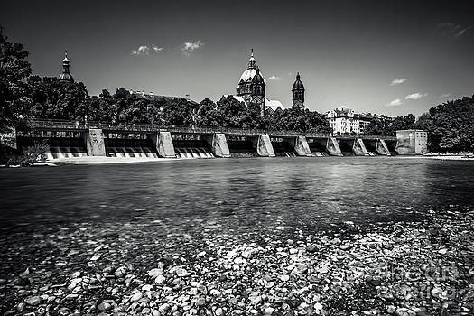 Sankt Lukas Church at the Isar by Hannes Cmarits