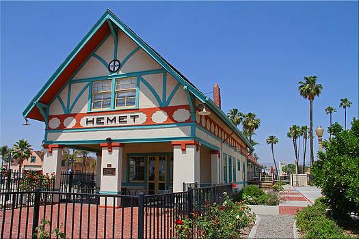 Santa Fe Depot by Chet King