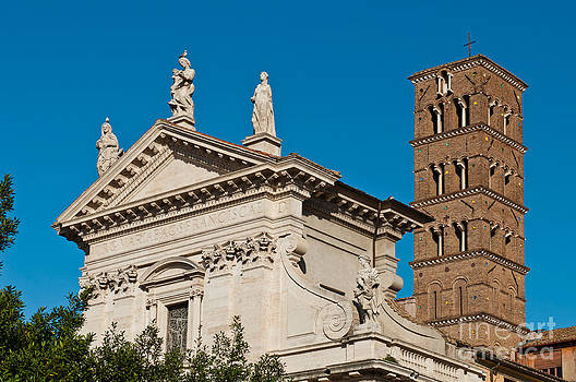 Santa Francesca Romana Church by Luis Alvarenga