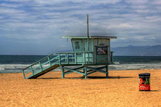 Santa Monica Lifeguard Shack by Richard Hinds